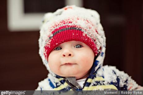 Séjour au ski : la check-list des affaires de bébé