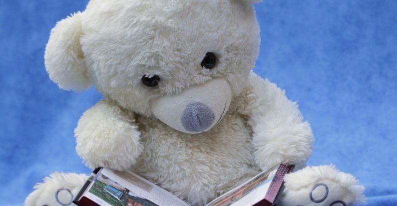 Que mettre dans la bibliothèque de jeunes parents ?