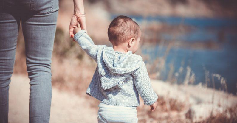 Comment voyager avec un bébé de 0 à 12 mois ?