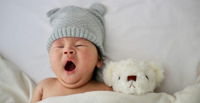 Comment choisir une peluche pour un nouveau-né ?